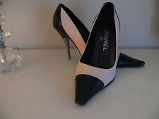Authentic Stunning Chanel court heels, size UK 3.5 EU 36 cream and black