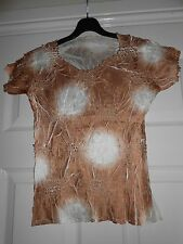 Crinkle Tie Dyed Top Cream and Gold  Size 10/12
