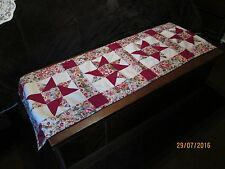 COUNTRY COTTAGE BEAUTIFUL PINK MORNING GLORIES STAR PATCHWORK TABLE RUNNER - NEW
