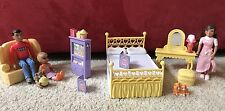 Mrs Goodbee Dollhouse Caring Corners Living Room & Bedroom Furniture 3 People