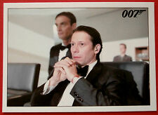 JAMES BOND - Quantum of Solace - Card #036 - Bond Climbs The Scaffolding