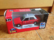 """TOYOTA CROWN TAXI HONG KONG 1998 1/32 TOYS """"R"""" US TOYSRUS retrocarica PULL BACK"""