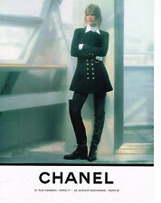 PUBLICITE ADVERTISING 094  1993  CHANEL  haute couture hiver CLAUDIA SCHIFFER