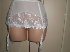 WHITE LACEY LOOK   SUSPENDER BELT   CAMILLE   SIZE  8-10