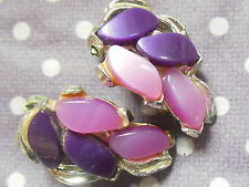 Fab Vintage 1950's purple lavender lilac lucite thermoset leaf clip on earrings