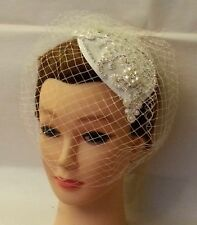 Jaula De Velo Blanco, Marfil Vintage Tear Drop Hat. 40s 50s Fascinator & Velo 2pc