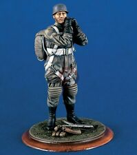 Verlinden 120mm 1/16 German Paratrooper (Fallschirmjager) in Jumpsuit WWII 1228