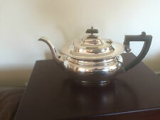 BEAUTIFUL SILVER PLATED TEAPOT ON AN OVAL RAISED FOOT  (SPTP 8989)