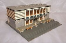 STATION BUILDING, OLD AND VERY RARE N THIS CONDITION, VGC,  VOLLMER ?  N SCALE
