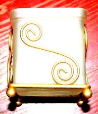 Schönes edles Teelicht Glas Halter mit geschwungenen Metallfüßen, neuwertig