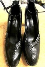 Beautiful Black Leather  High Heel  Women's Shoes Size 7M By NINE WEST