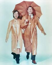 SINGIN' IN THE RAIN GENE KELLY DEBBIE REYNOLDS MARVELOUS 8X10 PHOTO