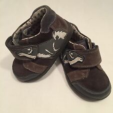 Clarks baby boys wolf dog  leather first walking shoes boots UK infant 5