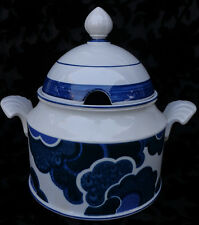 VILLEROY & BOSH BLUE CLOUD TUREEN WITH LID, GERMANY. EXC.