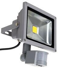 Foco Proyector LED para exteriores 20W 6400K, 1400Lumen con Sensor de Movimiento