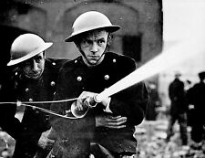 Battle of Britain London Firefighters Reproduction World War 2 Photo 7x5 inch