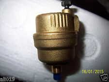 """Automatic Float Vent Valve Vents Automatically in Pressurized Systems 1/8"""" NPT"""