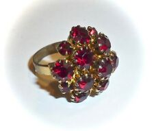 VINTAGE - EXQUISITE FAUX-GARNET CLUSTER PRONG-SET GOLDTONE RING - ADJUSTABLE