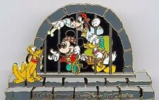 DISNEY PIN - WDCC PIRATES OF CARRIBBEAN - GOLD VERSION