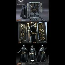 -=] HOT TOYS - Batman Armory with Bruce Wayne [=-