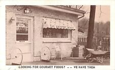 A View of the Country Gourmet Shop, 307 Elgin Avenue, East Dundee IL 1959