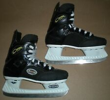 HOCKEY ICE SKATES MISSION CONTROL SERIES SIZE 4 RUBBER