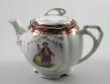 Langewiesen Schlegelmilch um 1900 Teekännchen mit Gold und galantem Paar