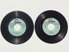 The Troggs Lot of 2 original Fontana 45 rpm's Love Is Gonna Make You WILD THING