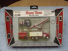 1/64 ERTL CASE IH FARMALL GRAIN SET 2594 TRACTOR   NIP