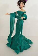 BARBIE DOLL NEW GLAMOROUS CELEBRITY RED CARPET GREEN SPARKLY GOWN CLOTHES.