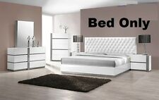 Modern Bedroom White Lacquer Exterior 1 Piece Queen size bed Crystal furniture