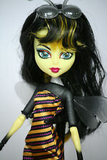 Monster High muñeca create a monster cam abeja Bee