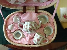"""CHILD SIZE TEA SET IN CARRY BASKET FOR DECORATION TEA POT 3 1/2"""" TALL"""