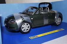 Audi TT Roadster dunkelgrün 1:18 Revell neu & OVP 8979