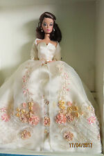 NRFB BARBIE LADY OF THE MANOR J0959 silkstone collection collector gold lab 2006