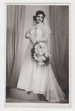 Young Lady Pretty Bride Dress & Bouquet Wedding Fashion Vintage 1930s Photo #2