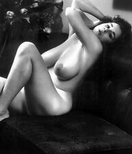 1960s Nude Pinup Janey Reynolds On Leather Couch Big Breasts 8 x 10 Photograph