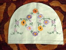 VINTAGE HAND EMBROIDERED TEA COSY COVER  - GREEN