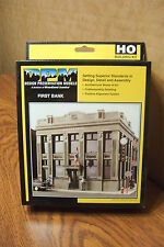 WOODLAND SCENICS/DPM FIRST BANK HO SCALE BUILDING KIT