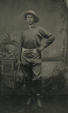 ANTIQUE AMERICAN COWBOY PISTOLS BICYCLE BELT VICTORIAN YOUNG MAN TINTYPE PHOTO