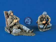 Verlinden 1/35 German Paratroopers Fallschirmjäger at Break WWII (2 Figs.) 1328