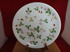 4 Wedgwood WILD STRAWBERRY Dinner Plates ~NEW IN BOX~ Earthenware