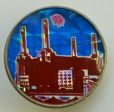 PINK FLOYD ANIMALS VINTAGE METAL PIN BADGE FROM THE 1980's PIGS BATTERSEA