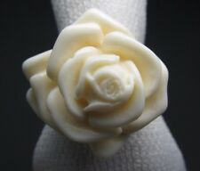 Vintage Creamy White Molded Opaque Lucite Flower Rose Ring - Size 6.5