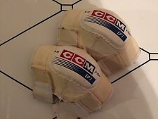 "CCM EP7 10""/25cm White Elbow Pads"