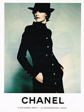 PUBLICITE ADVERTISING 045  1996  CHANEL 2  haute couture INES DE LA FRESSANGE