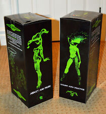 2 Sexy UFO pin-up ALIEN GIRL cute punk figure statues by Mark Alfrey