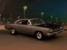 1969 69 PLYMOUTH ROAD RUNNER MOPAR COLLECTIBLE MODEL 1/64 SCALE DIECAST DIORAMA
