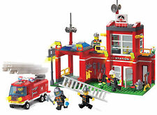 City Fire Station Truck Engine c/w 5 Figures Compatible Building Bricks 380Pcs