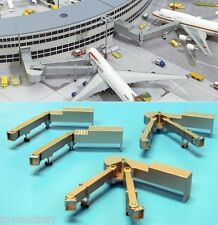 Herpa 519786 Four Passenger Bridges For 1:500 Scale Airport Diorama Mint in Box